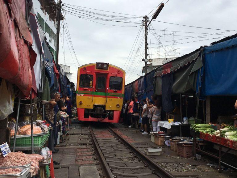 Mae Klong: el mercado del tren de Bangkok